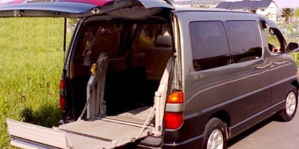 グランビア・ステップワゴンの後付けパワーゲート(車椅子リフト)